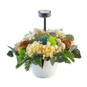 Hvid dekoration med 1 fyrfadslys